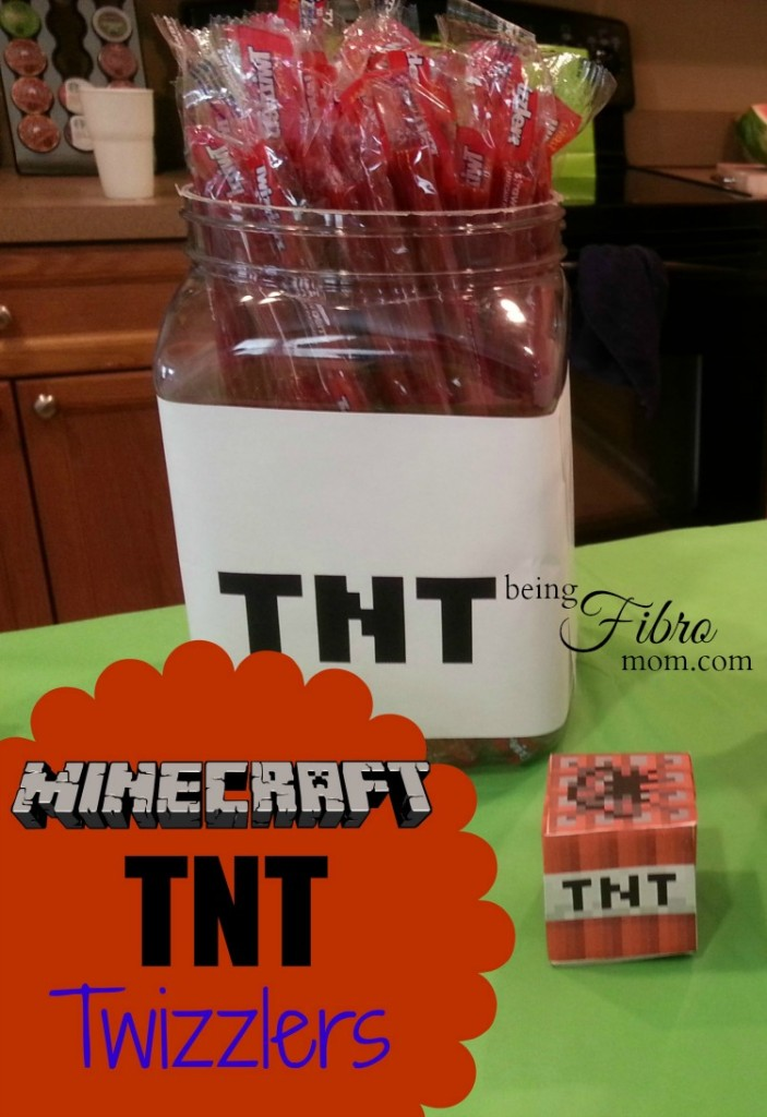 Minecraft party food with free printables #Minecraft #Minecraftfood #Minecraftprintables