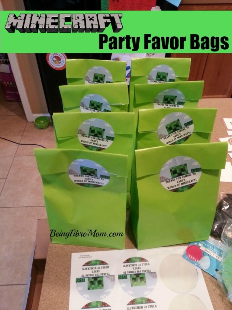 Minecraft party favor bags #minecraft #minecraftparty #minecraftbirthday #minecraftprintables