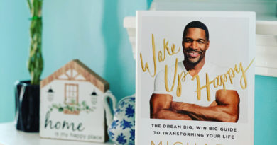 Wake Up Happy by Michael Strahan #bookreviews #BrandisBookCorner #beingfibormom