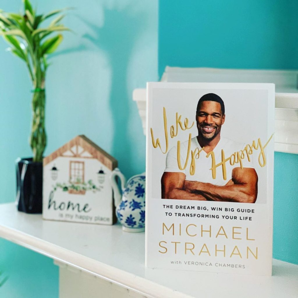 Wake up Happy by Michael Strahan #bookreviews #brandisbookcorner #beingfibromom