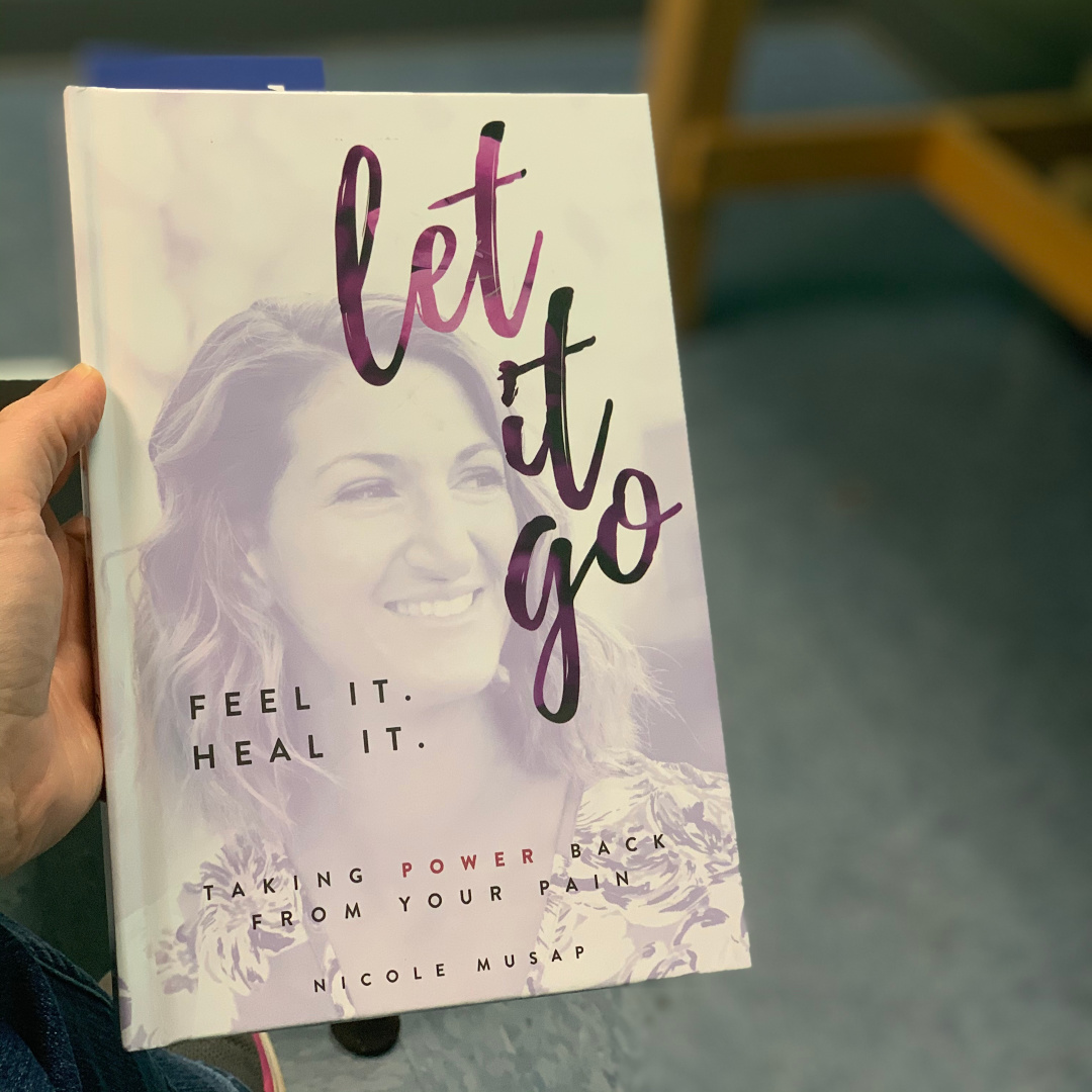 Feel It. Heal It. Let It Go.: Taking Back the Power From Your Pain by Nicole Musap #bookreviews #brandisbookcorner #beingfibromom