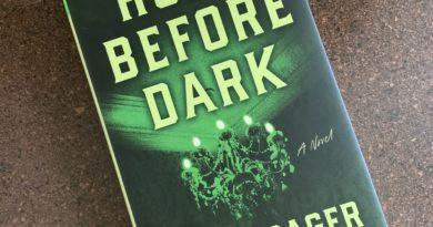 Home Before Dark by Riley Sager #brandisbookcorner #bookreviews #beingfibromom #rileysager