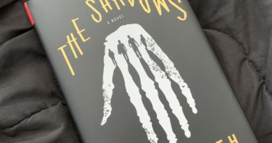 the shadows by Alex North #bookreviews #brandisbookcorner #beingfibromom #theshadows #alexnorth